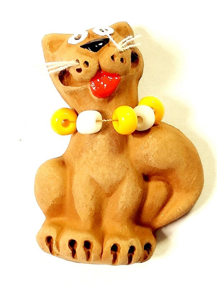 Магнит кошка с бусами Керамика