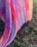 Двухсторонняя шаль из Индии. Купить в Москве