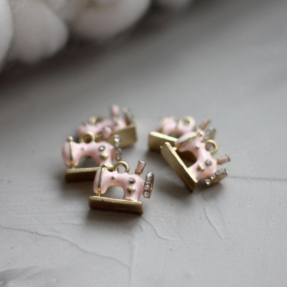 Кукольный аксессуар Подвеска Швейная машинка, розовая