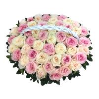 Корзина из 51 пионовидной розы