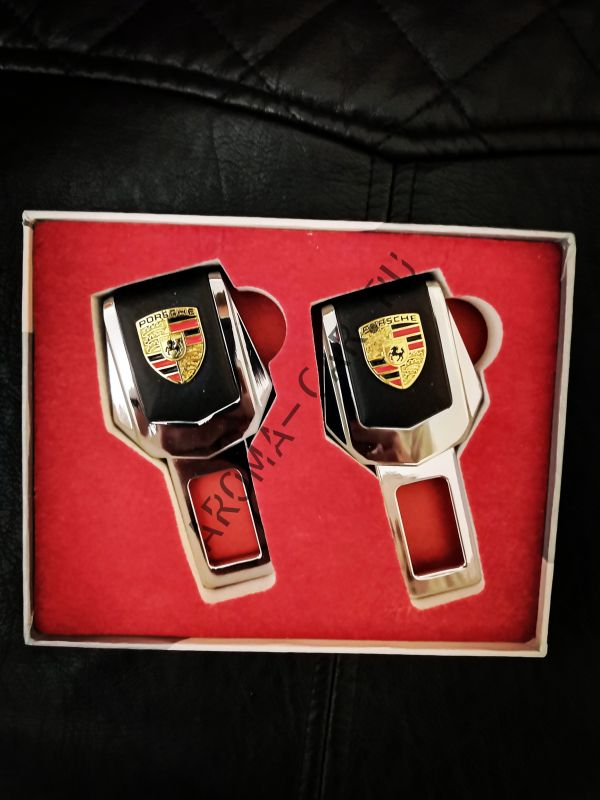 Заглушка для ремня безопасности с логотипом Porsche ( комплект)