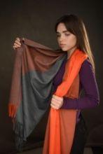 Роскошная классическая шотландская  шаль, высокая плотность, 100 % драгоценный кашемир, расцветка Оранжевый и серый GREY ORANGE, премиум)