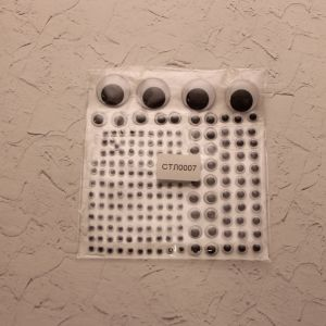 `Глаза клеевые на листе 12,5*13,5см, Арт. Р-СТЛ0007