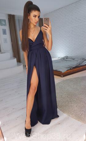 Темно-синее вечернее платье в пол с разрезом