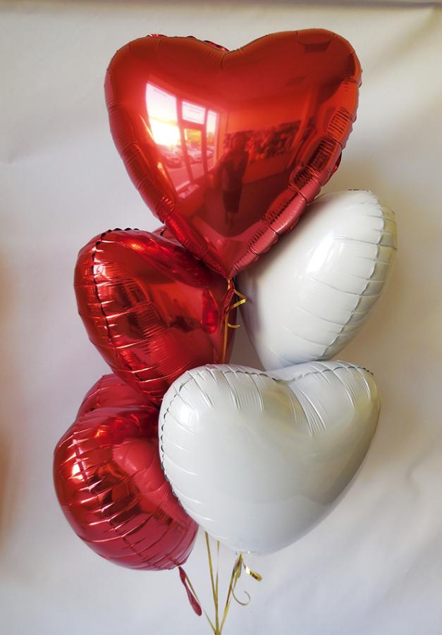 Букет из 5  фольгированных сердец