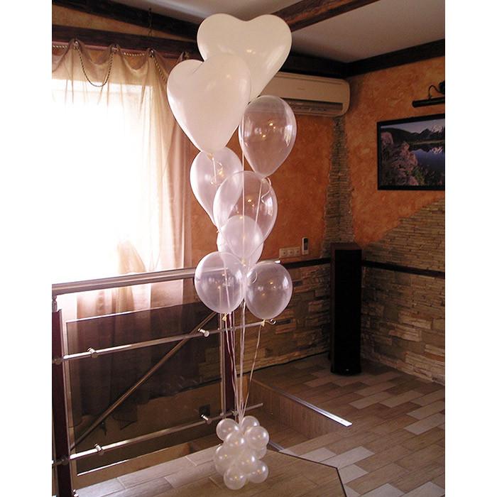 Букет на подставке из шаров с сердцами
