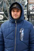 Зимняя мужская куртка с объемным капюшоном
