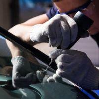 Устранение трещин на лобовом стекле авто