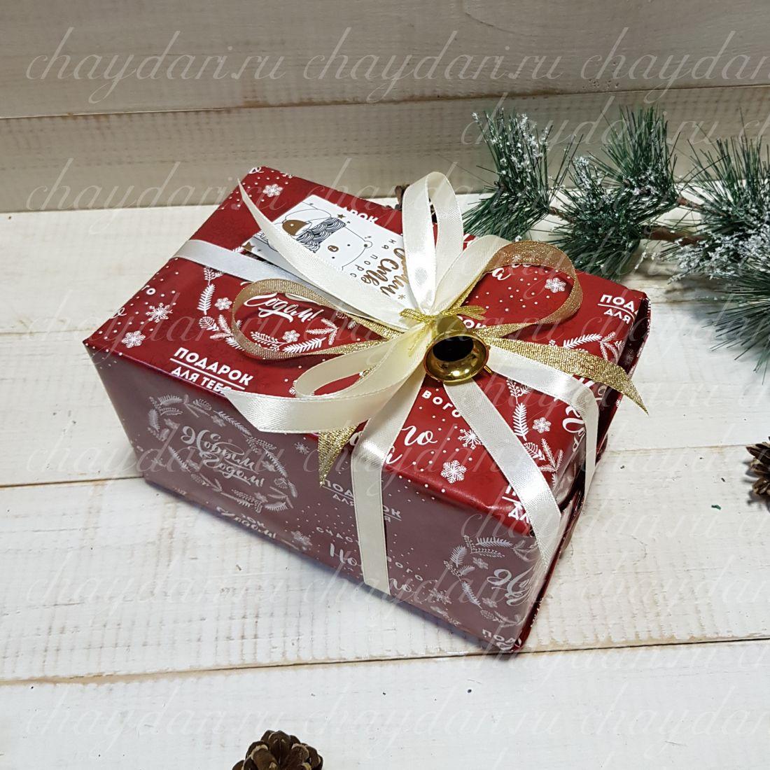 """Коробка с чаем и сладостями """"Новогодний подарок"""""""