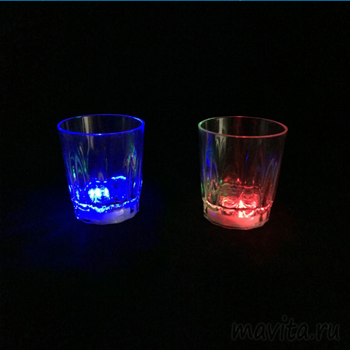 Светящаяся рюмка Light-up Liquid Activated Glass, 70 мл, 1 шт