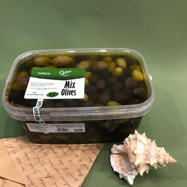 Оливки микс с косточкой  2.4 кг