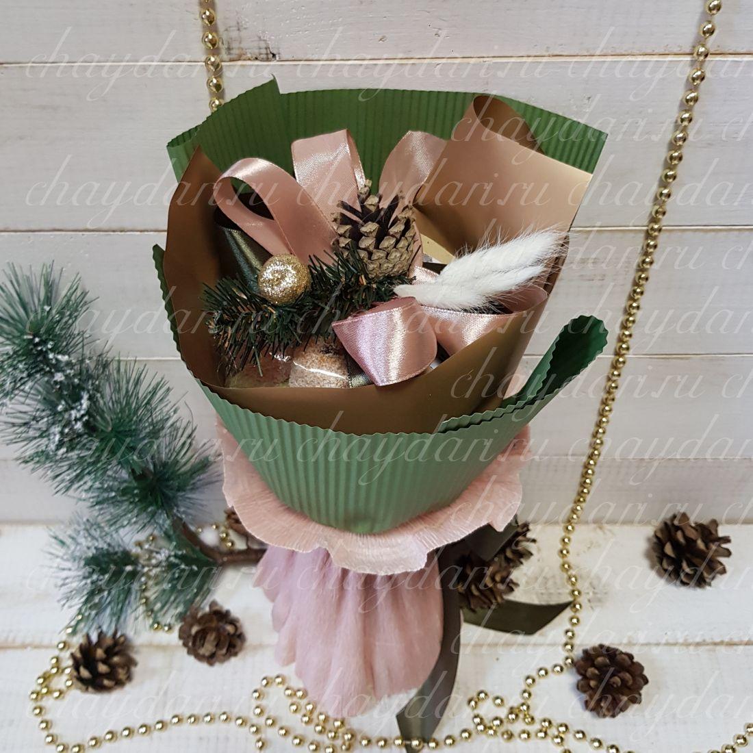 """Букет из чая и сладостей """"Изысканный Новогодний"""""""
