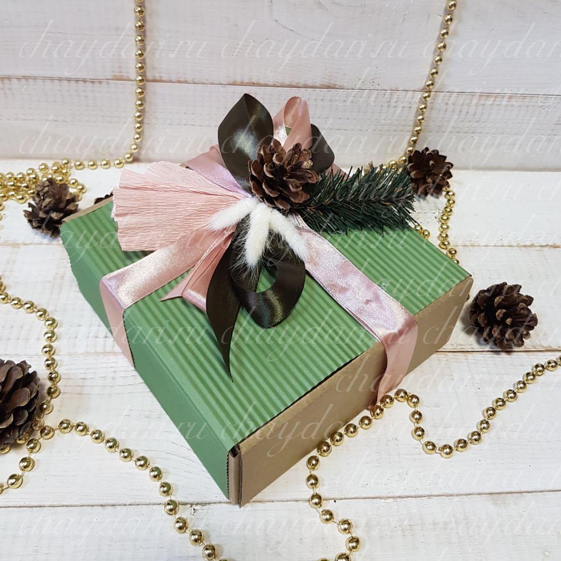 """Коробка с чаем и сладостями """"Стильная Новогодняя"""""""