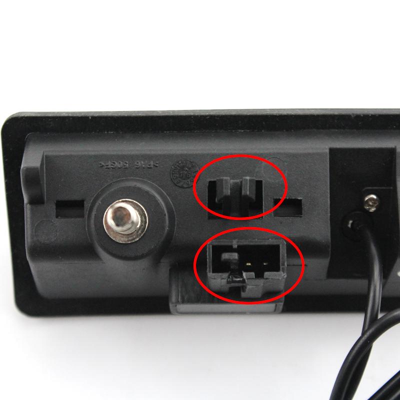 Камера заднего вида Шкода Йети в ручку багажника