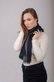 "тонкорунный широкий  шарф 100% шерсть мериноса,  расцветка "" Страйп Глубокий синий "" NAVY SPORTS STRIPE MERINO ,  плотность 3"