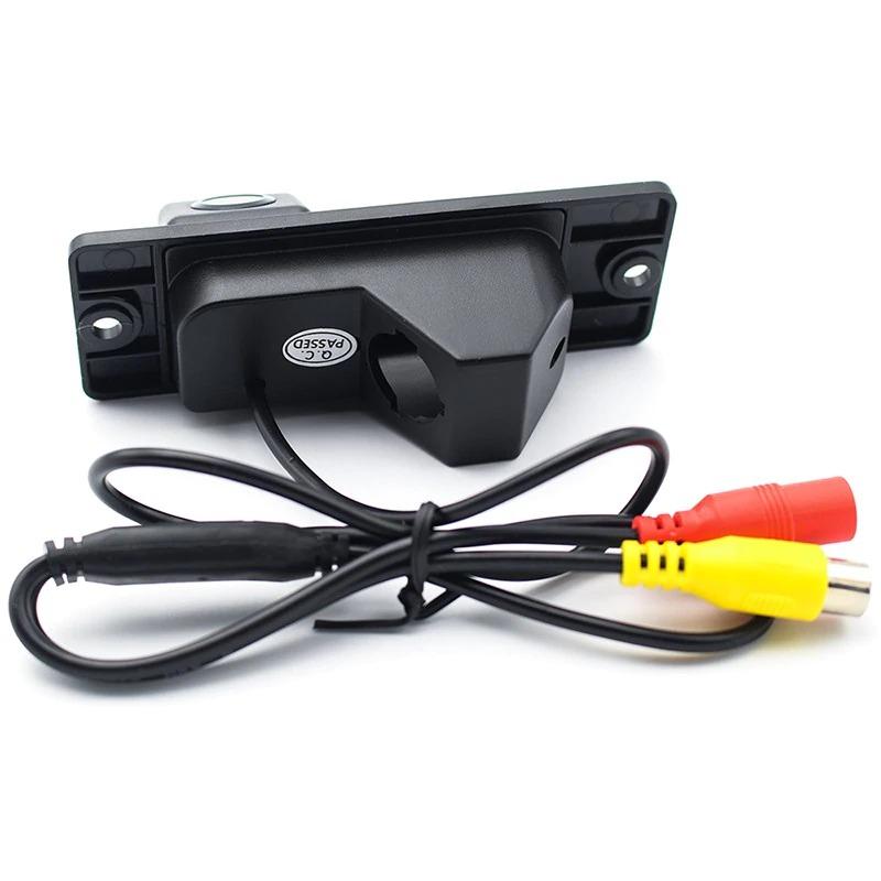 Камера заднего вида Mitsubishi Pajero Sport