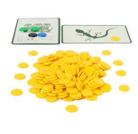 Набор желтых пластиковых фишек