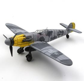 Цветная сборная модель Мессершмитт Bf 109 1:48 Серая раскраска