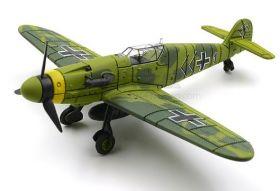 Цветная сборная модель Мессершмитт Bf 109 1:48 Зеленая раскраска