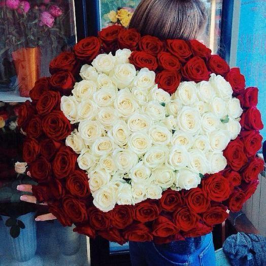 Букет из 101 розы с сердцем 50 см в упаковке