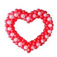 Сердца плетеное из красно-белых шаров