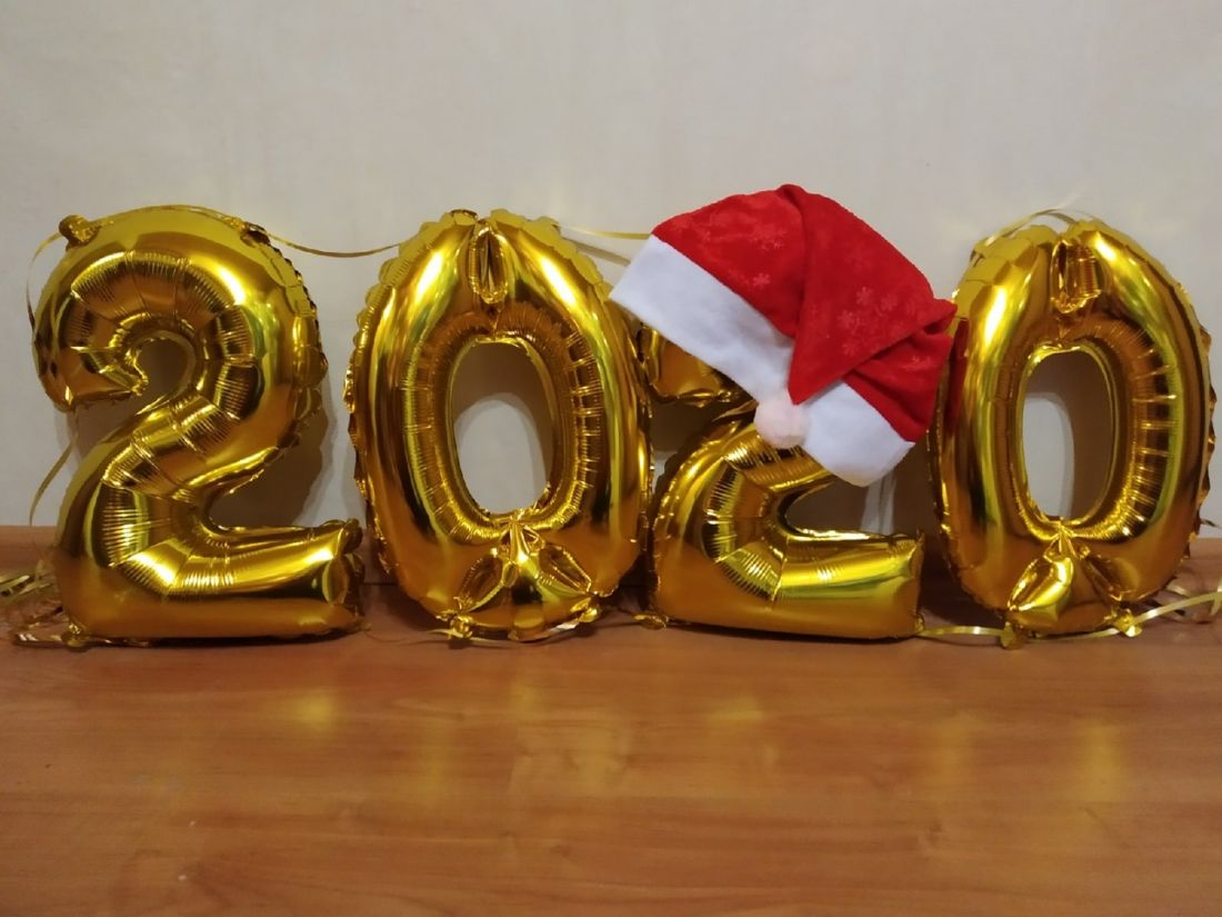 Набор маленьких цифр с новогодним колпачком