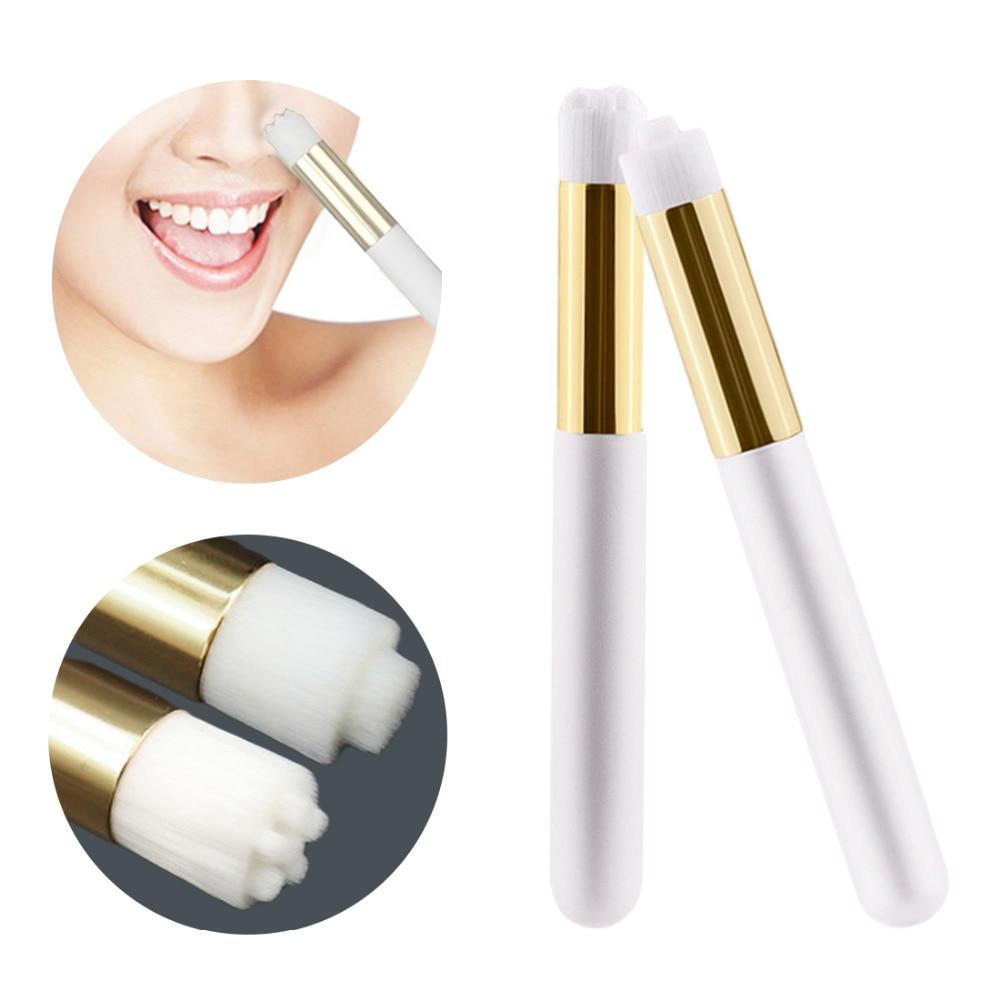 Щетка для чистки носа и лица