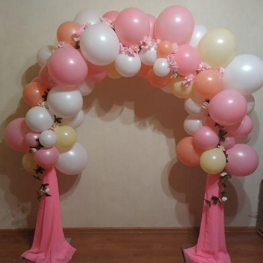 Малая арка с цветами и фатином