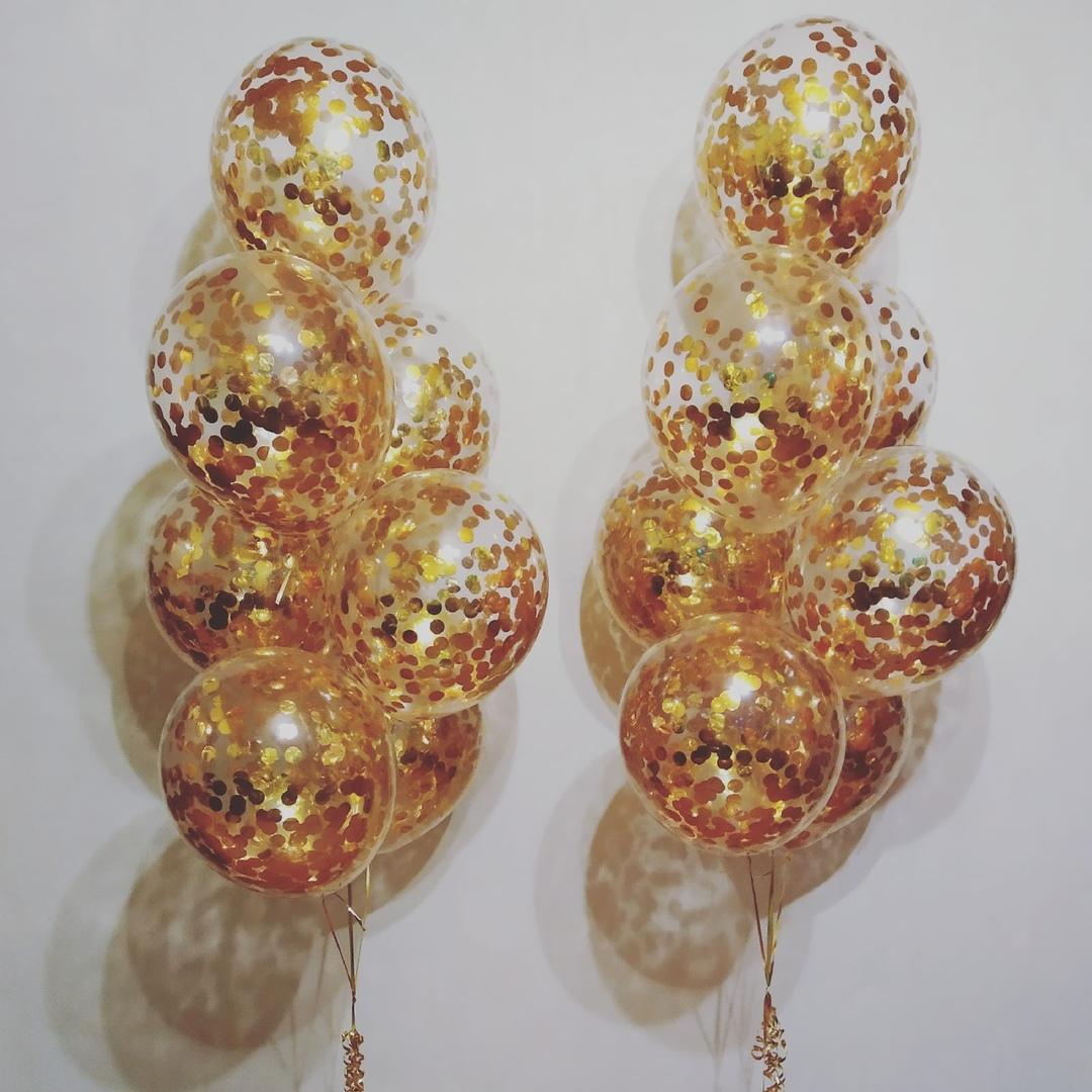 Фонтан из 7 шаров с конфетти