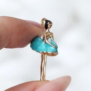 Кукольный аксессуар Подвеска балерина в голубом платье