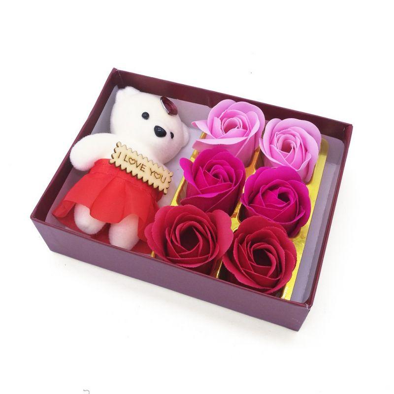 Мыльные розы 6 шт в коробке с мишкой (цвет красный микс)