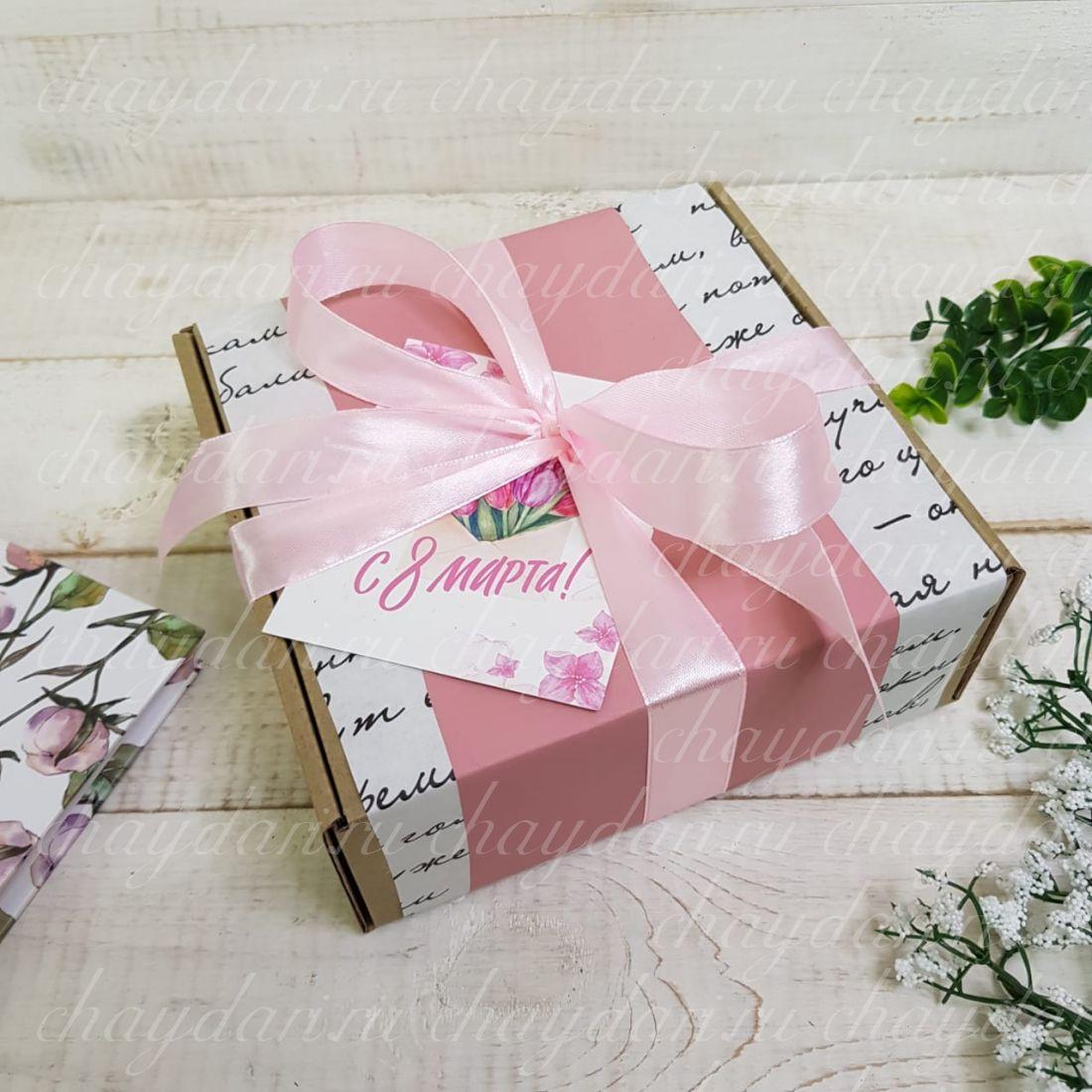 """Коробка с чаем и сладостями """"Муза"""""""