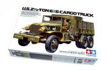 Американский 2,5-тонный трехосный грузовик  6x6 (2 варианта сборки) с фигурой водителя
