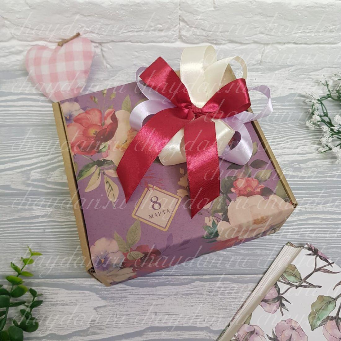 """Коробка с чаем и сладостями """"Шик на 8 марта"""""""