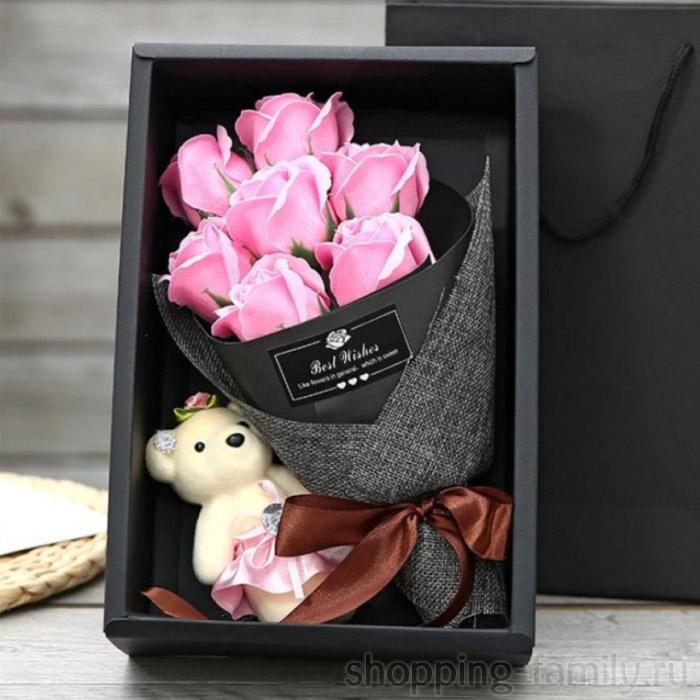 Набор из 7 мыльных роз в коробке с мишкой, Цвет Розовый