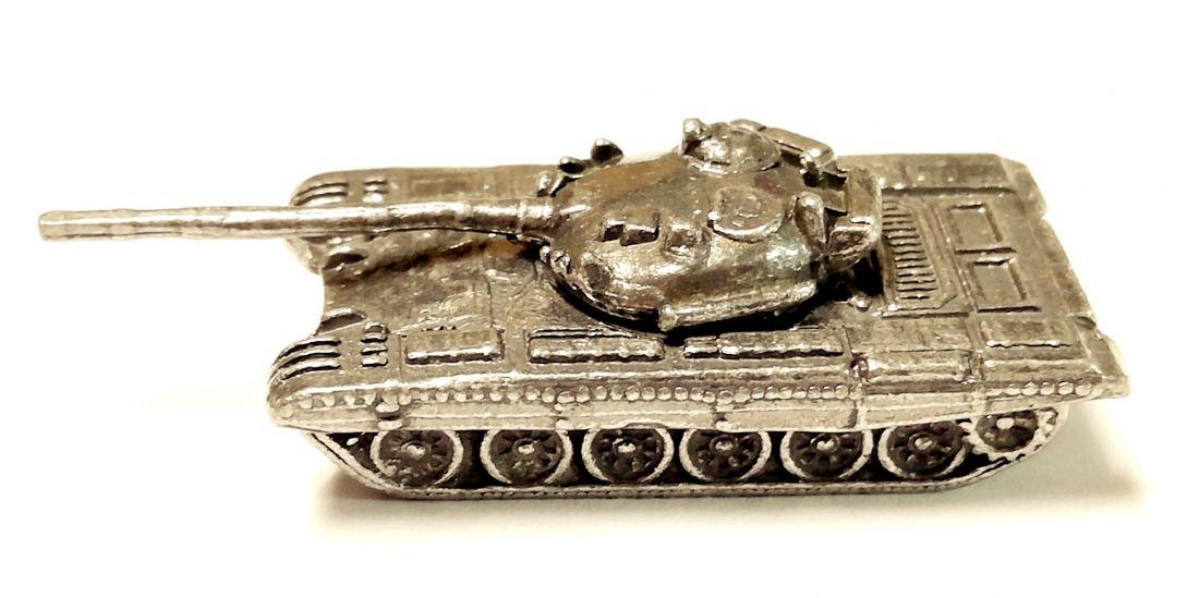 Танк ИС-8