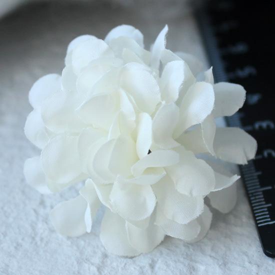 Тканевый цветок белый 3 см Кукольная миниатюра