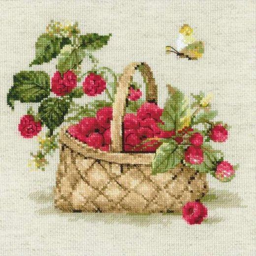 Набор для вышивания крестом Малина в лукошке №1448 фирма Риолис