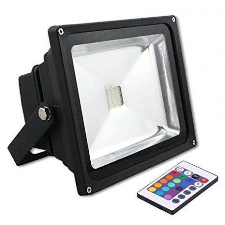 Светодиодный прожектор 220 Вольт Угол 140 20 Ватт IP65