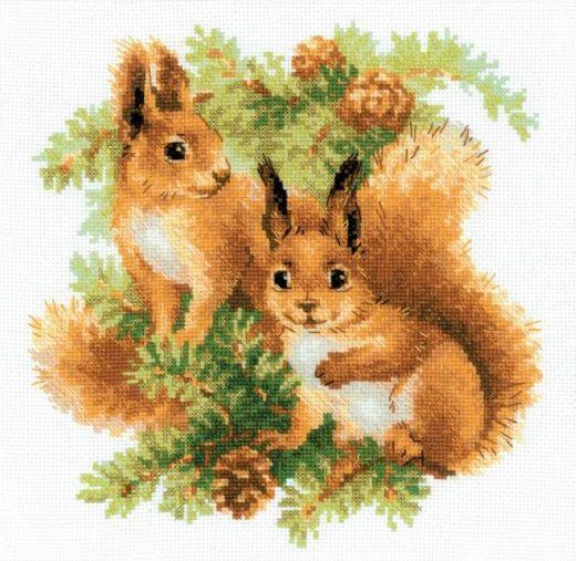 Набор для вышивания крестом Белочки №1491 фирма Риолис