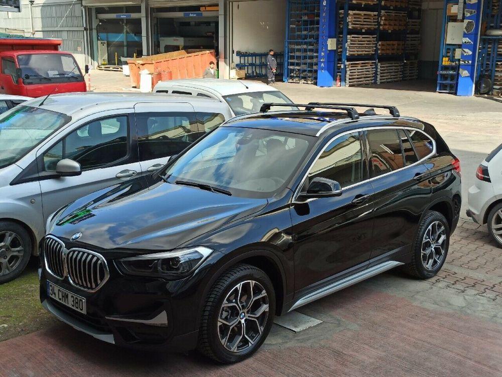 Багажник на крышу BMW X1 F48 2015-..., Turtle Air 2, аэродинамические дуги на интегрированные рейлинги (черный цвет)