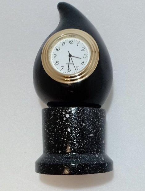 """Часы """"Капля нефти"""""""