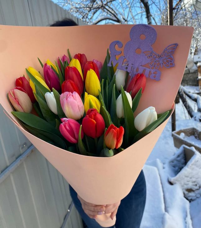 25 тюльпан В букете