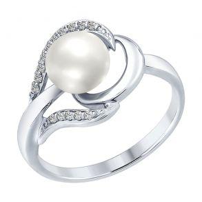 Кольцо из серебра с жемчугом и фианитами 94012557 SOKOLOV