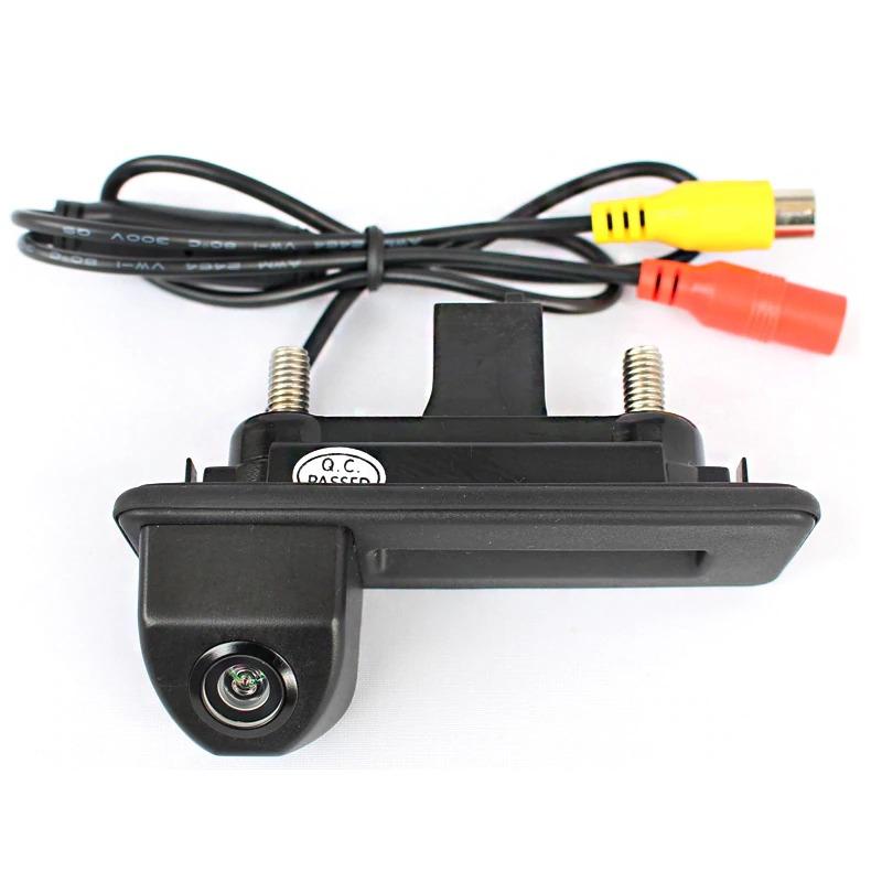 Камера заднего вида Volkswagen Golf 5 в ручку багажника