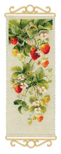 Набор для вышивания крестом Клубника №1551 фирма Риолис