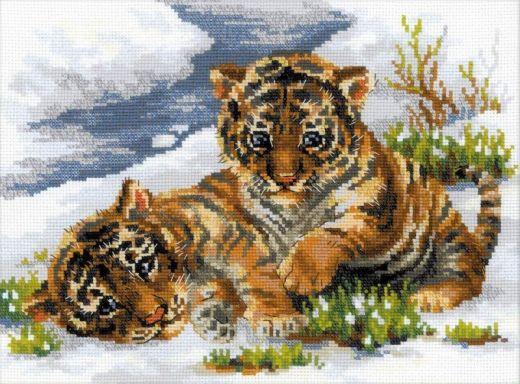 Набор для вышивания крестом Тигрята в снегу №1564 фирма Риолис