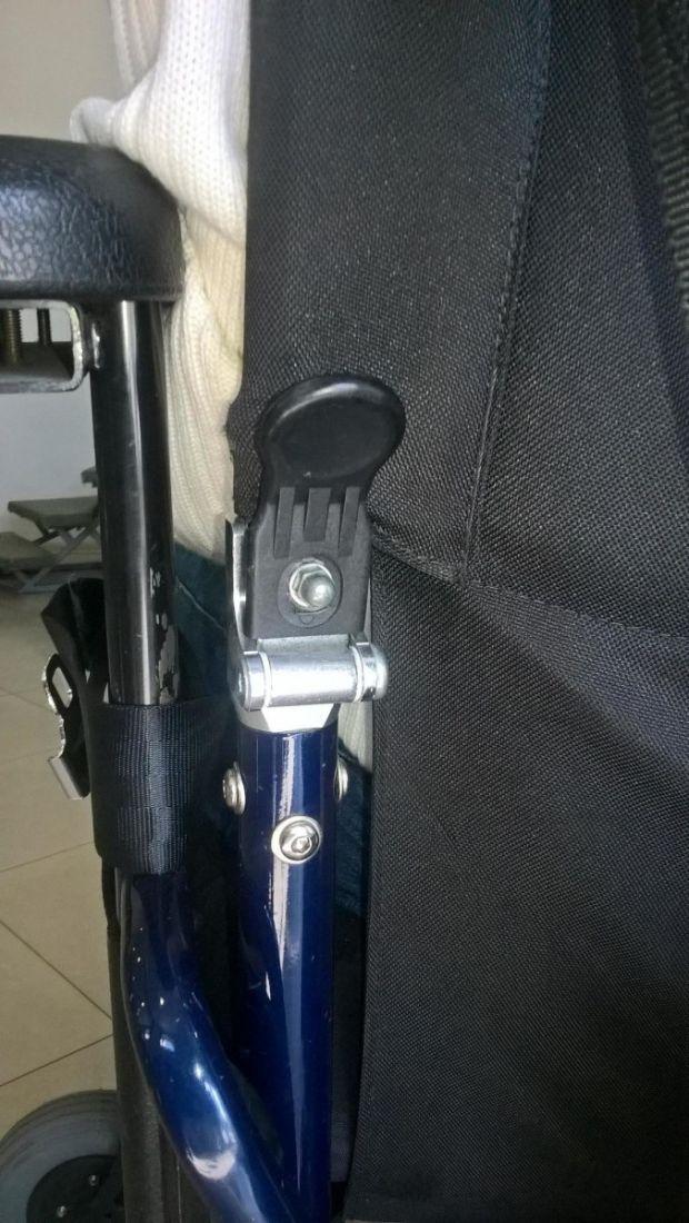 Шарнир для складывания спинки коляски