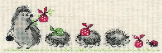 Набор для вышивания бисером Ежики №1711 фирма Риолис