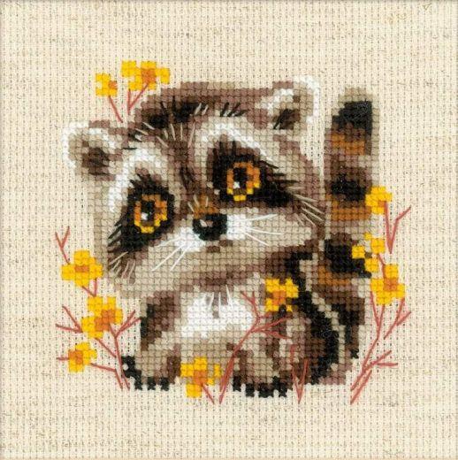 Набор для вышивания крестом Маленький енотик №1754 фирма Риолис